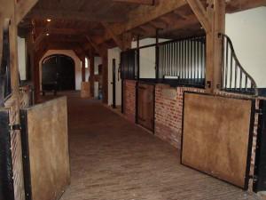 Nieuwbouw paardenstal Zenderen